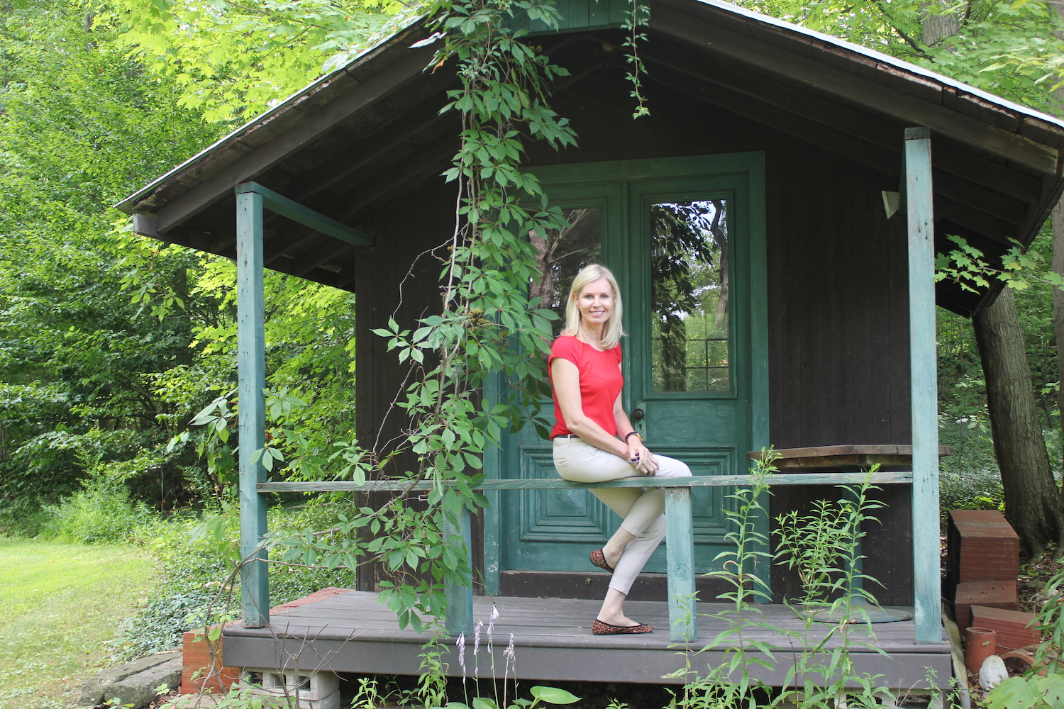 Jackie discovers an abandoned shed on her new property